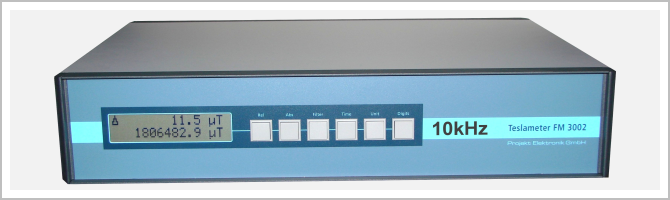 front view high precision Teslameter FM 3002-10kHz with high resolution (7½ digit) display; version with 10kHz bandwidth